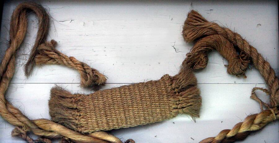 Photo showing examples of rope, string, and cloth.
